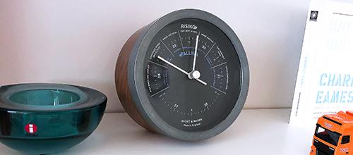 Simple elegant barometer